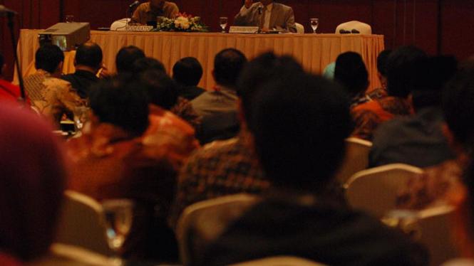 Kuliah Bagi Anggota DPR Terpilih