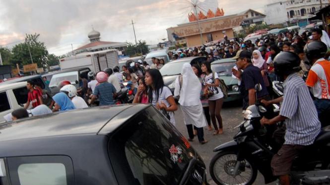 Gempa di Kota Padang : Warga Panik