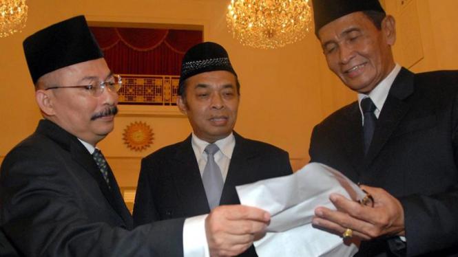 Pelantikan KPK : Mas Achmad Santosa, Waluyo & Tumpak Hatorangan Panggabean