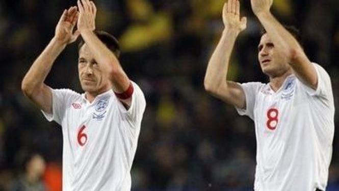 Frank Lampard (kanan) dan John Terry