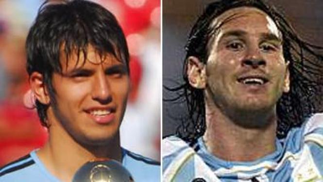 Aguero (kiri) dan Messi