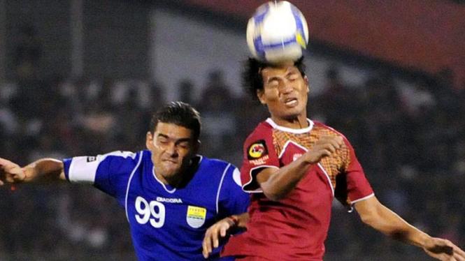 PSM - Persib : Hamdi Hamzah dan Cristian Gonzales
