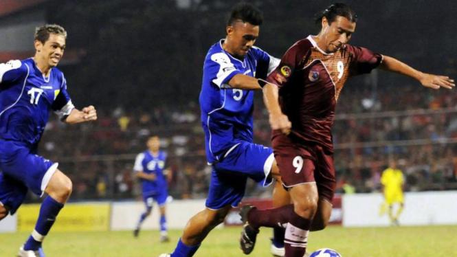 PSM - Persib : Cristian Carasco dan Maman Abdurrahman