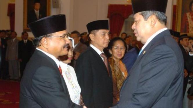 Presiden SBY ucapkan selamat kepada anggota BPK Hasan Bisri