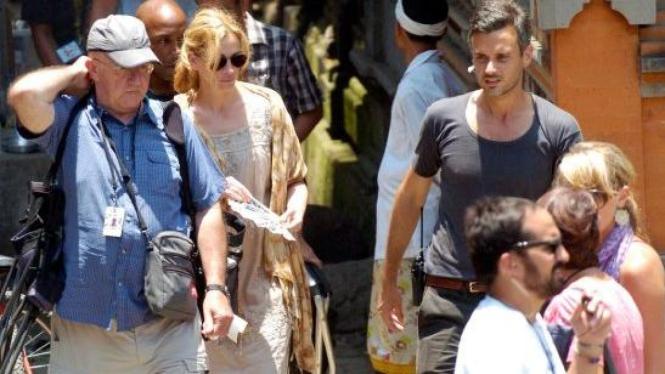 """Julia Roberts di Bali untuk syuting film """"Eat, Pray and Love"""""""