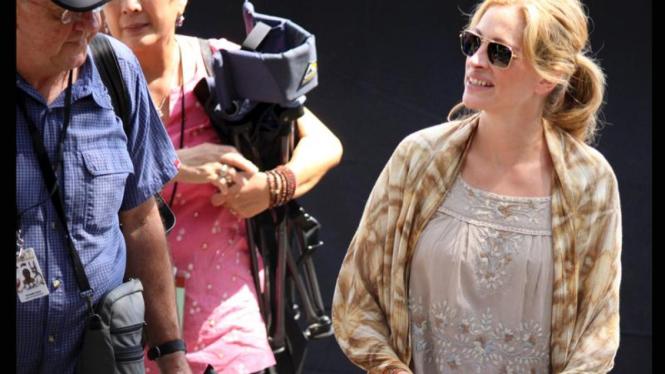 """Julia Roberts Shooting Film """"Eat, Pray, Love"""" di Bali"""