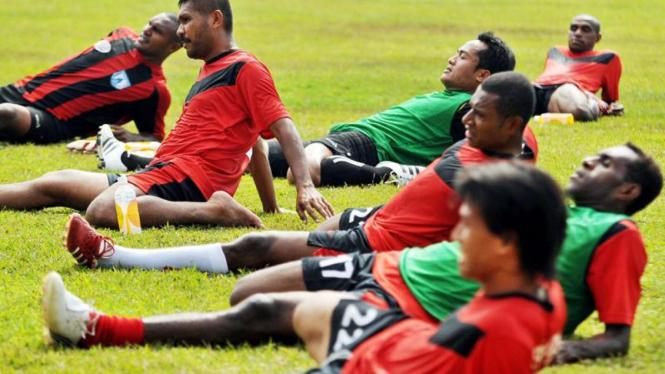 Latihan Persipura  di Mattoanging, Makassar