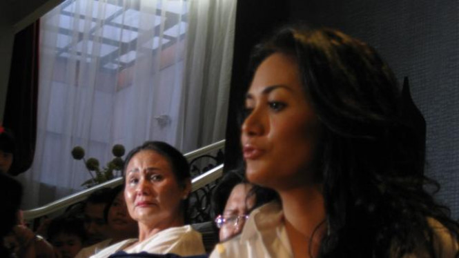 Krisdayanti dan ibundanya