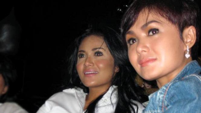 Krisdayanti dan Yuni Shara