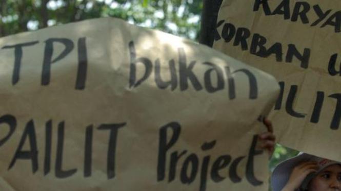 Karyawan TPI unjuk rasa menolak TPI dipailitkan