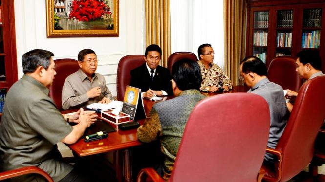 Presiden SBY, Djoko Suyanto, Tifatul Sembiring, Kapolri, dan Jaksa Agung