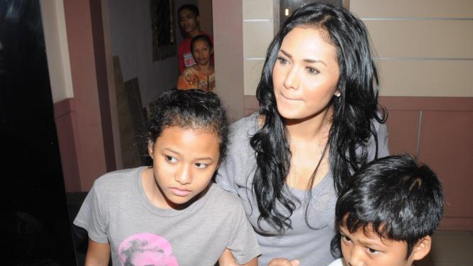 Krisdayanti & anaknya