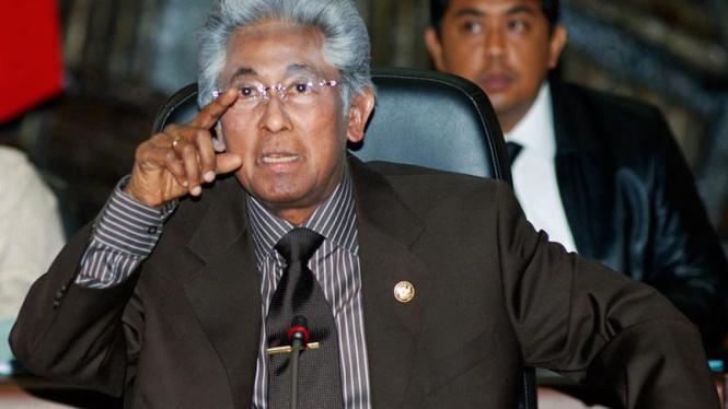 Temu KPK Dengan Tim Pencari Fakta : Adnan Buyung Nasution