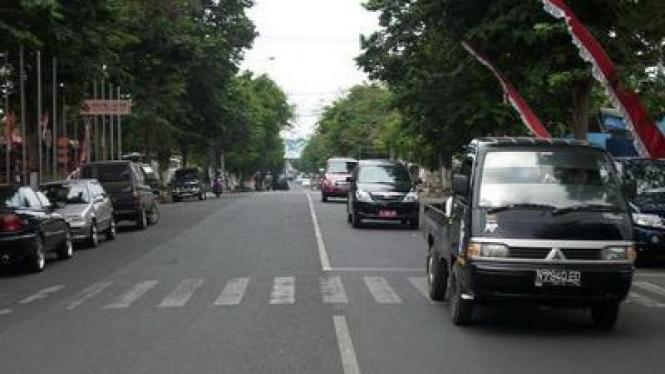 Jalan Panglima Sudirman yang akan diberi dibangun median jalan tengah.