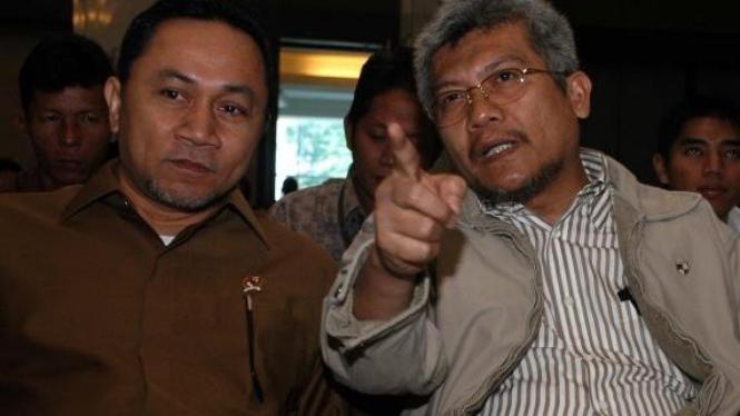 Menteri Kehutanan Zulkifli Hasan dan pendahulunya MS Kaban