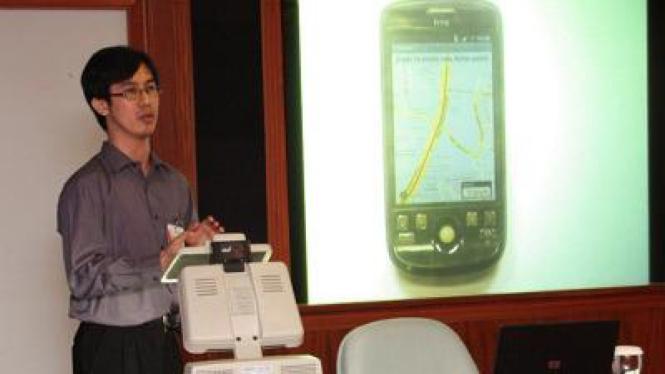 Andri, finalis IWIC, mempresentasikan Ultraport, aplikasi untuk Android