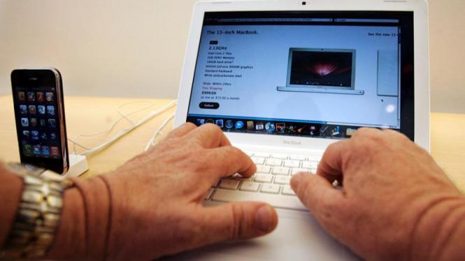 Komputer Laptop Apple MacBook