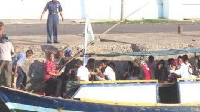 Perahu penumpang kayu rute Probolinggo-Giliketapang
