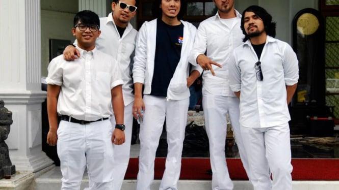 12 Artis Syuting Klip Indonesia Bersatu : Alexa