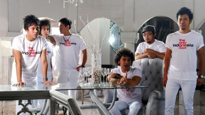 12 Artis Syuting Klip Indonesia Bersatu : Nidji