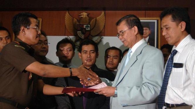 Bibit-Chandra terima surat penghentian penuntutan dari kejaksaan negeri