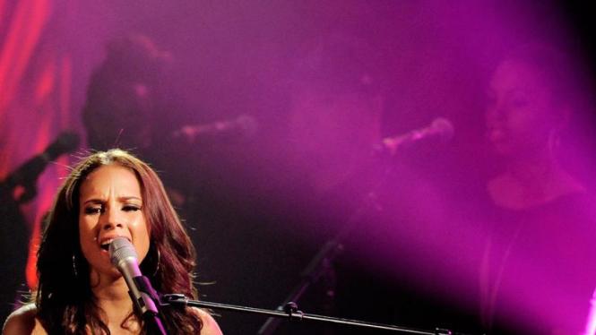 Alicia Keys Gelar Konser Amal Peringati Hari Aids