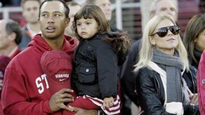 Tiger Woods dan mantan istrinya Elin Nordegren beserta anak mereka, Sam