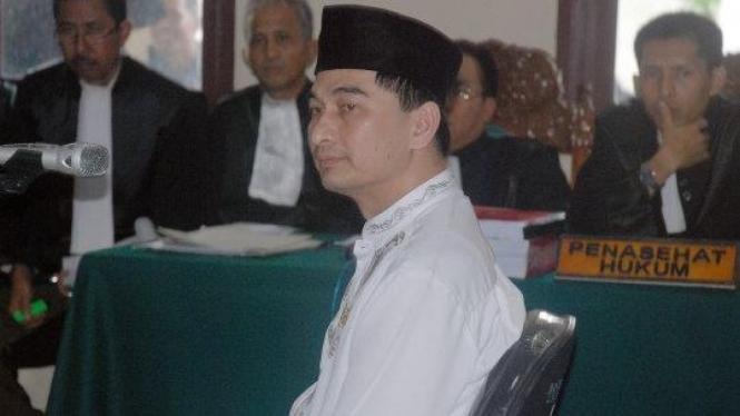 mantan Bupati Pandeglang, Dimyati Natakusuma, disidang dakwaan korupsi