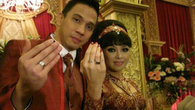 Pernikahan Terry Putri dan Rully Johan