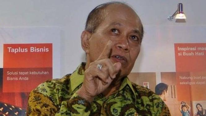Menteri Negara Koperasi dan UKM Syarifuddin Hasan