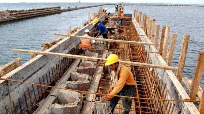 Pembangunan dermaga kapal ikan di Muara Baru, Jakarta