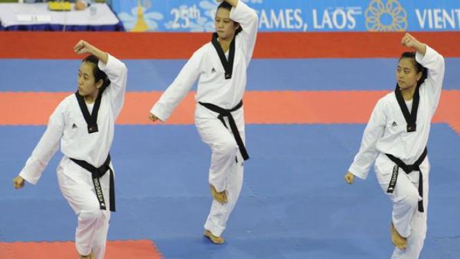 Tim taekwondo putri Indonesia