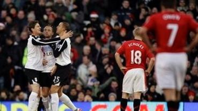 Pemain Fulham merayakan gol