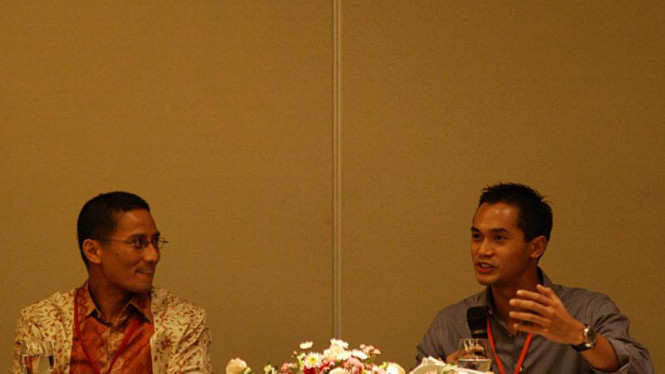 Diskusi Mahasiswa Universitas Stanford: Anindya Bakrie & Sandiaga Uno