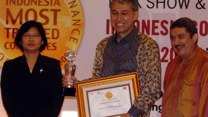 GCG Awards : Hiramsyah Thaib, Etty Retno Wulandari & Effendi Gani