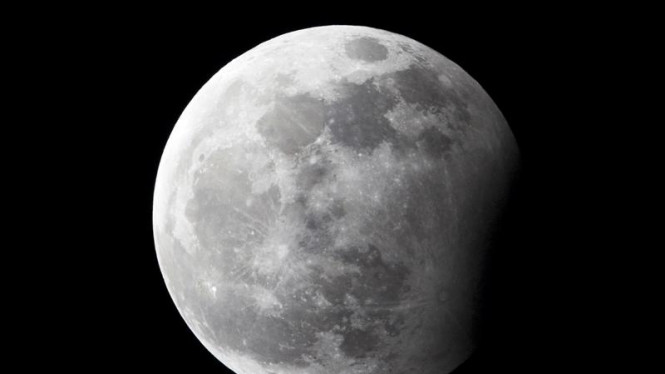 Gerhana Bulan di Malam Tahun Baru