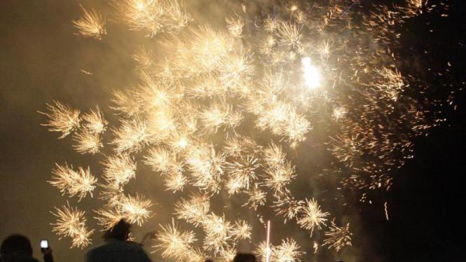 Perayaan Tahun Baru : Kembang Api di Solo