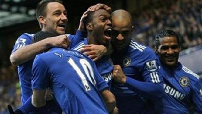 Pemain Chelsea merayakan kemenangan atas Watford