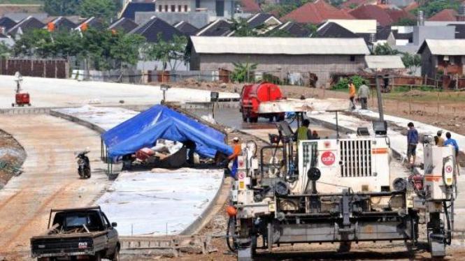 pembangunan jalan tol Semarang-Solo, di Banyumanik, Semarang
