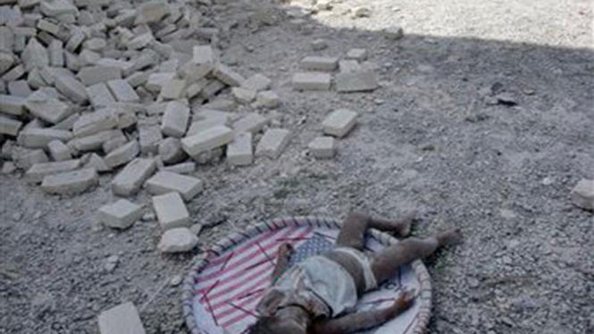 Seorang bocah cilik menjadi korban gempa bumi di Haiti