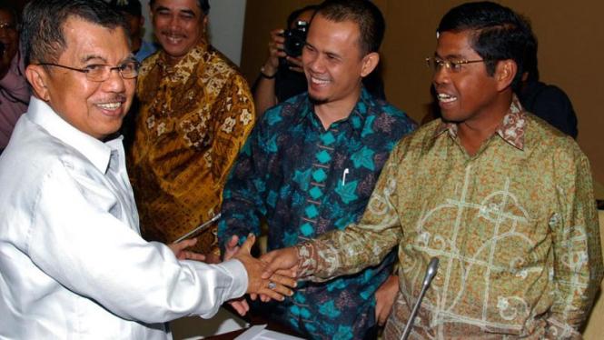 Jusuf Kalla & Idrus Marham di Rapat Pansus Century DPR RI