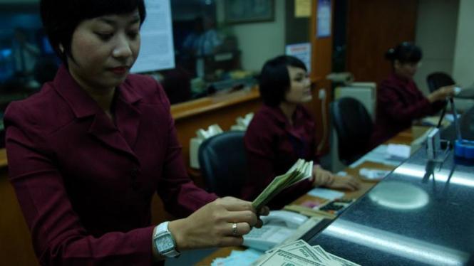 Ekonom AS Khawatir Resiko Dolar 2010