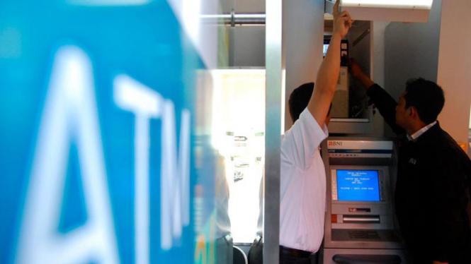 Periksa Pengamanan ATM
