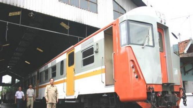 Kereta api komuter Surabaya-Lamongan