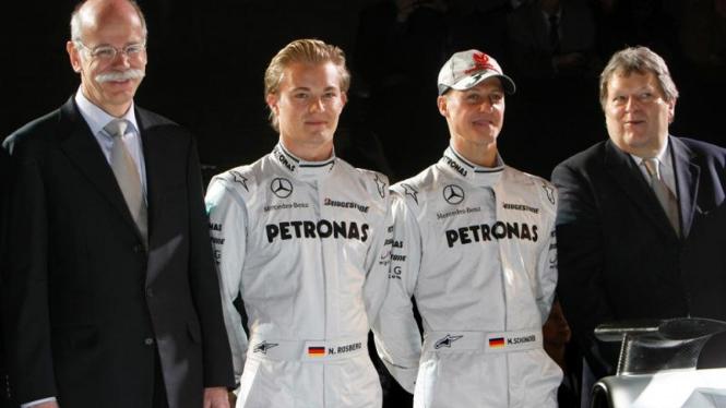 Mercedez GP Petronas F1 : Dieter Zetsche, Michael Schumacher & Norbert Haug