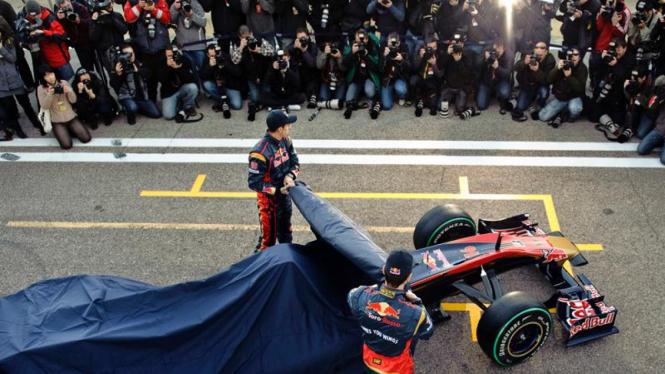 Mobil Baru Tim Red Bull F1, Toro Rosso, Diperkenalkan