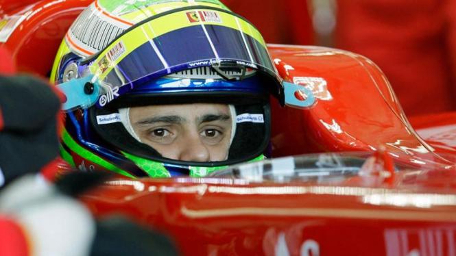 Berlatih di Spanyol : Felipe Massa