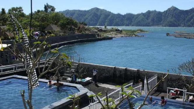 Batur Natural Hot Spring di kaki Gunung Batur