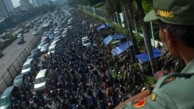 Demonstrasi Persatuan Rakyat Desa (Parade) Nusantara di gedung DPR/MPR