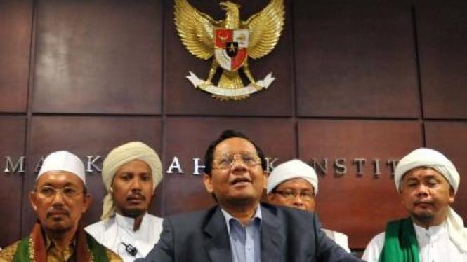 Ketua MK Mahfud MD dan Badan Silaturrahmi Ulama Pesantren Madura